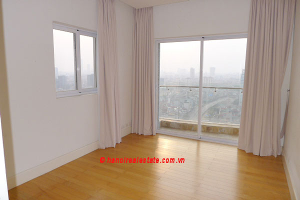 Golden West Lake, Apartment has a big stay lounge overlooking West Lake for rent 13