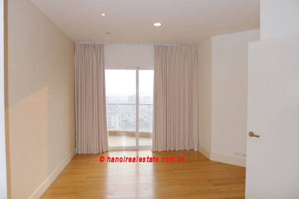 Golden West Lake, Apartment has a big stay lounge overlooking West Lake for rent 16