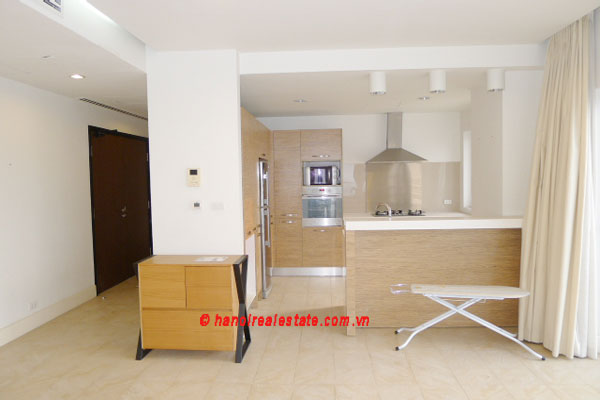 Golden West Lake, Apartment has a big stay lounge overlooking West Lake for rent 3