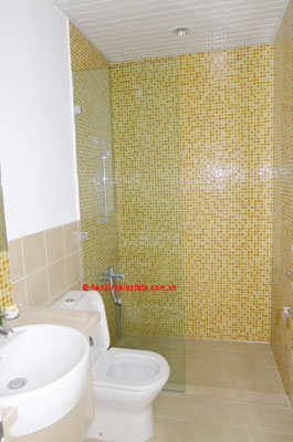 Golden West Lake, Apartment has a big stay lounge overlooking West Lake for rent 6