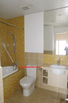 Golden West Lake, Apartment has a big stay lounge overlooking West Lake for rent 8