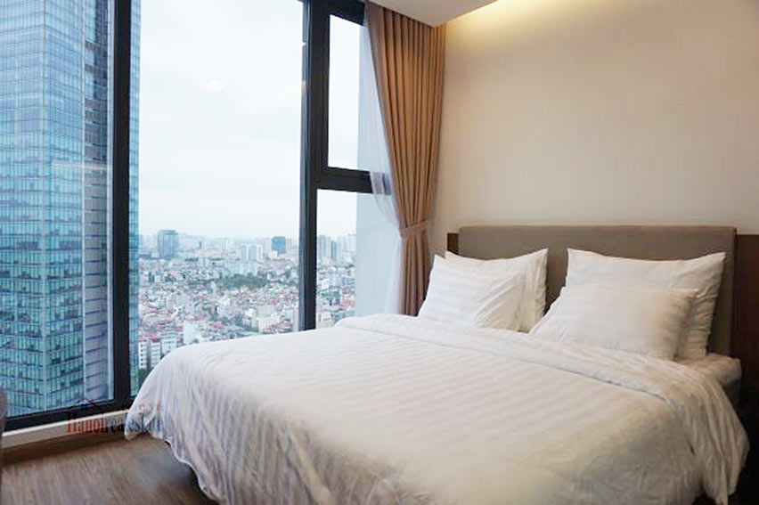 Good view apartment in Vinhomes Metropolis, Ba Dinh District 10