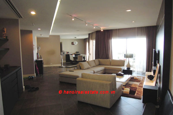 Hanoi Golden Westlake | 3 bedroom lakeview apartment leasing, 192 m2 1