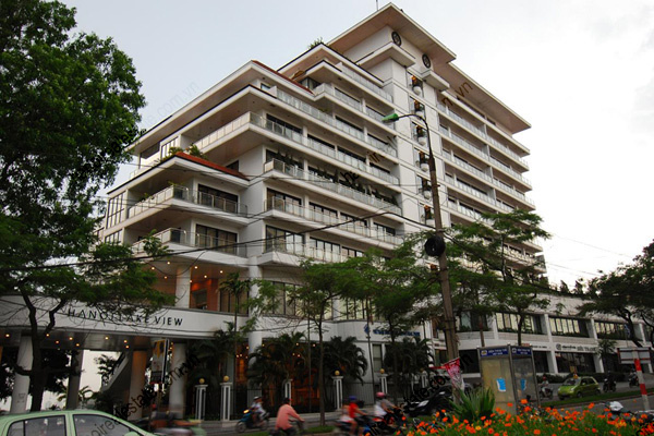 Hanoi Lake View: Serviced apartment has 239m2 living area for rent 1