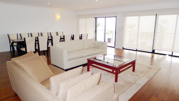 Hanoi Lake View: Serviced apartment has 239m2 living area for rent 4