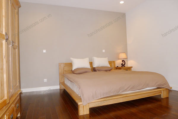 Hanoi - Lancaster 3 bedroom furnished apartment on high floor, 146m2 18
