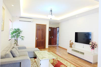 High floor 02BRs serviced apartment to let in Hai Ba Trung, Hanoi