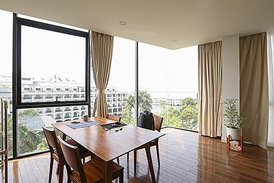 High floor 1-bedroom apartment with lake view in Tay Ho to rent