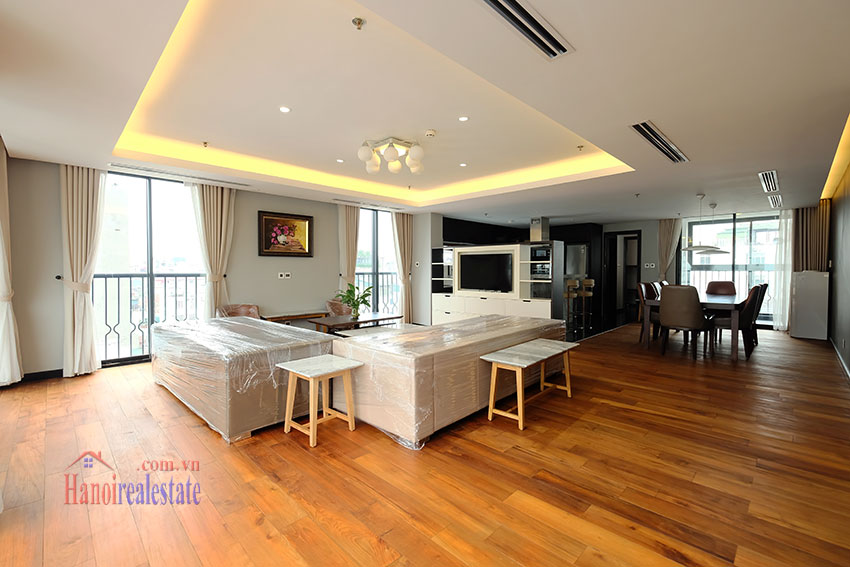 High Floor & Modern 03 Bedroom Serviced Apartment in Hoan Kiem 3