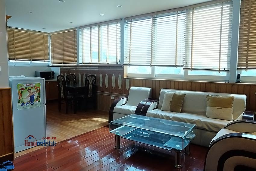 High floor serviced apartment to rent in Ba Dinh, close to Lotte shopping mall 1