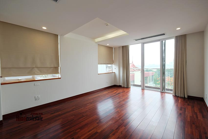 High floor spacious 3 bedroom apartment on Quang Khanh with balcony 12