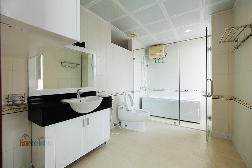 High floor spacious 3 bedroom apartment on Quang Khanh with balcony 19