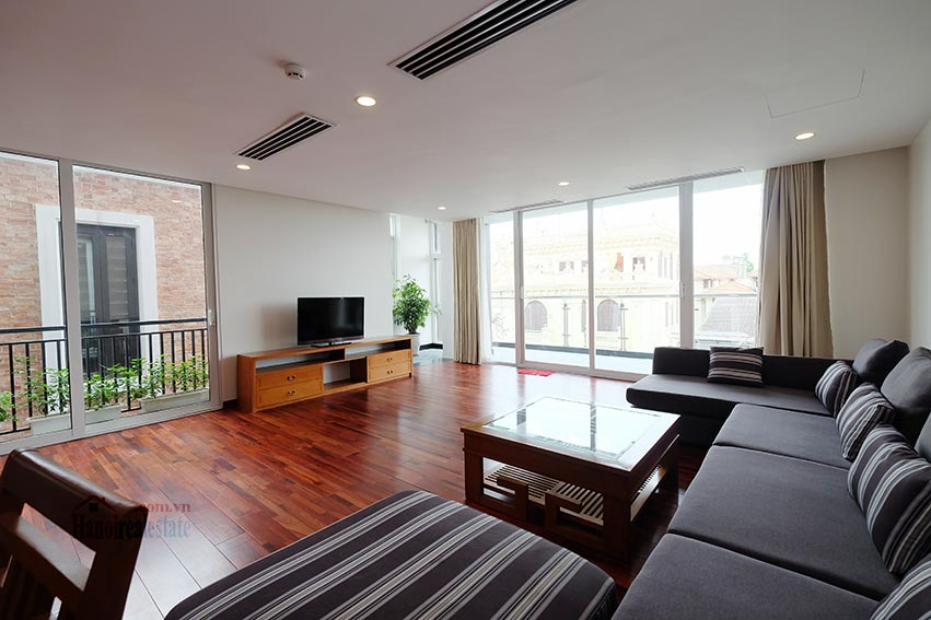 High floor spacious 3 bedroom apartment on Quang Khanh with balcony 3