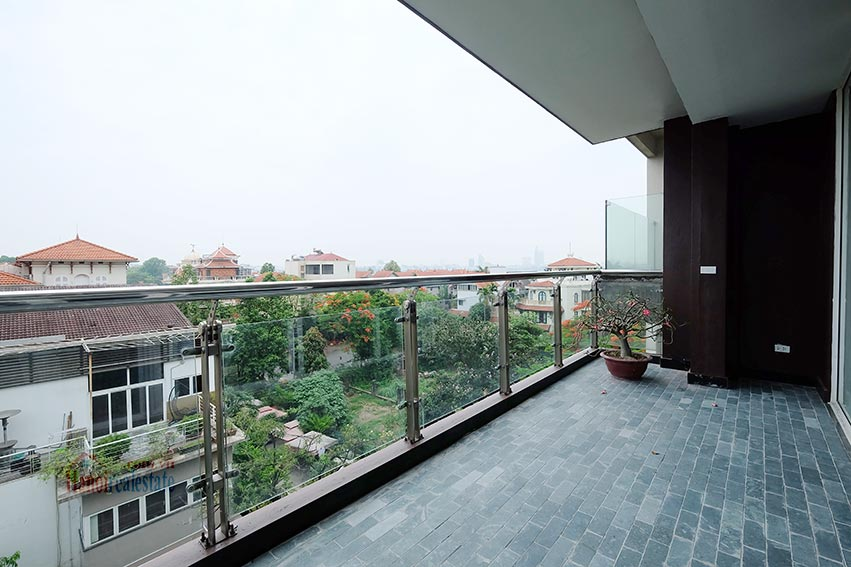 High floor spacious 3 bedroom apartment on Quang Khanh with balcony 6