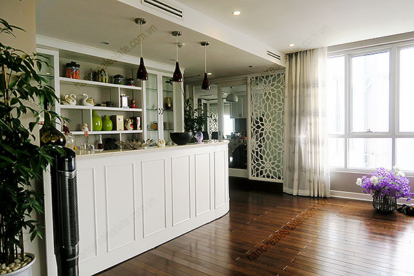 High quality luxury 4br apartment in Hanoi, huge Lounge, Lake View 10