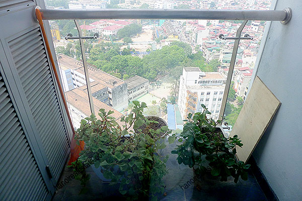 High quality luxury 4br apartment in Hanoi, huge Lounge, Lake View 36