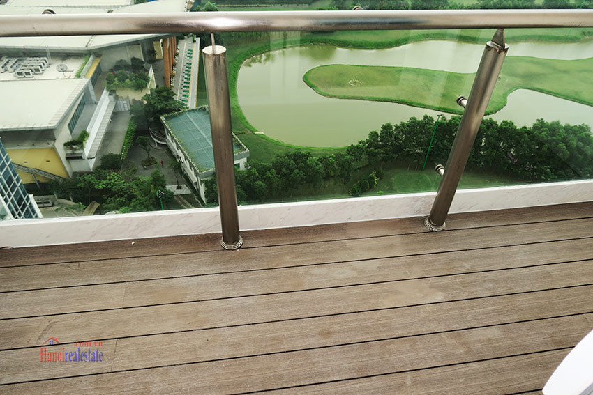 High-end luxurious 03+1BRs apartment with Golf course view of L1 Ciputra 21