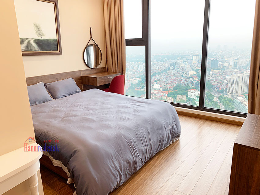 High-rise apartment, comfortable, fully furnished in M3 Tower Vinhomes Metropolis 10