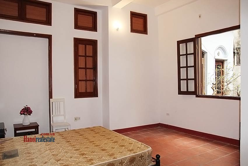 Hoan Kiem lake view house to rent with spacious terrace, short walking to Opera House 15
