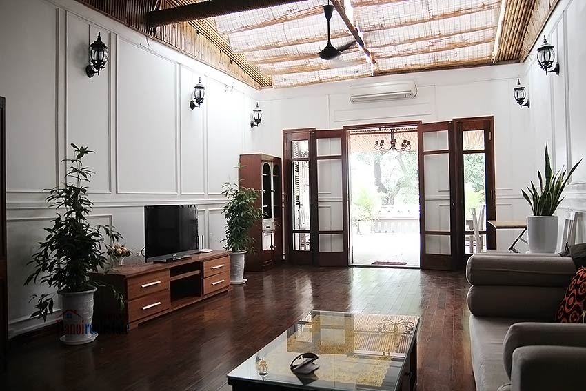 Hoan Kiem lake view house to rent with spacious terrace, short walking to Opera House 3