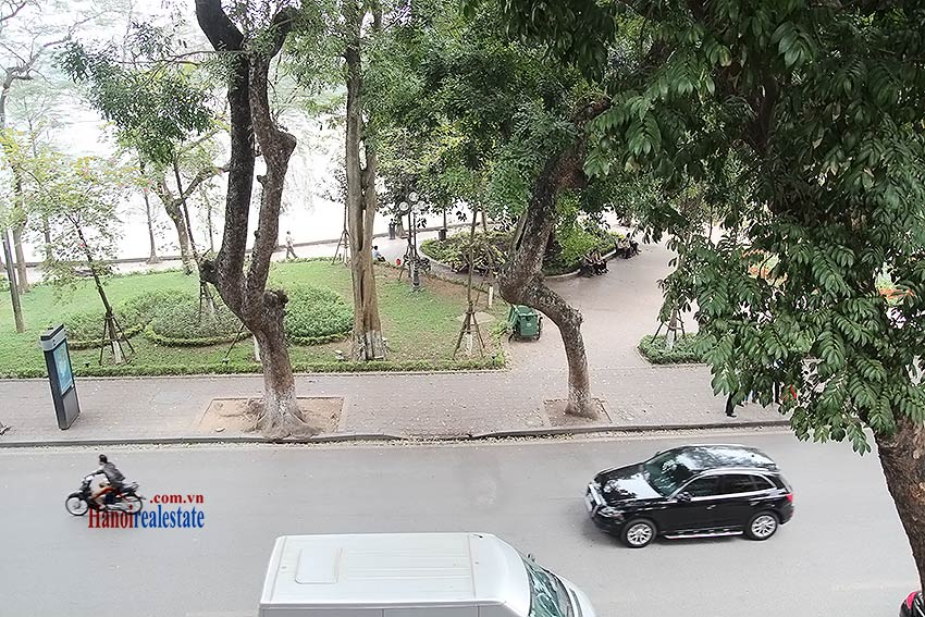Hoan Kiem lake view house to rent with spacious terrace, short walking to Opera House 7