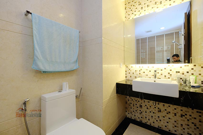 Hoang Thanh Tower 3 bedroom apartment to lease 12