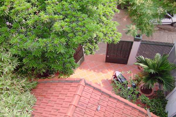 House for rent in Hai Ba Trung Hanoi with nice garden, furnished 14