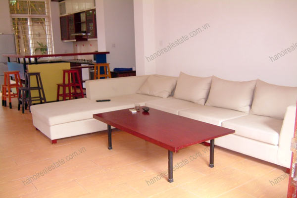 House for rent in Hai Ba Trung Hanoi with nice garden, furnished 4