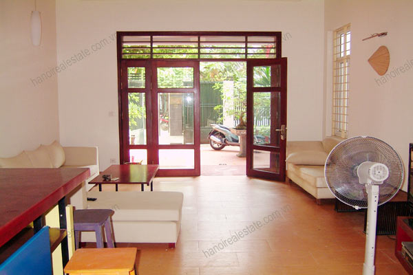 House for rent in Hai Ba Trung Hanoi with nice garden, furnished 8