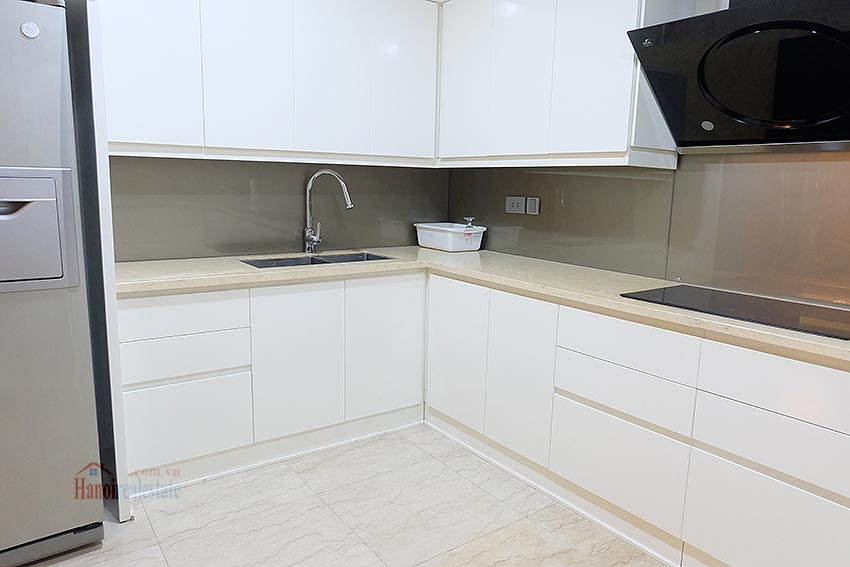 L1 Ciputra: Beautiful 04BRs apartment on high floor, view to Nhat Tan Bridge 11