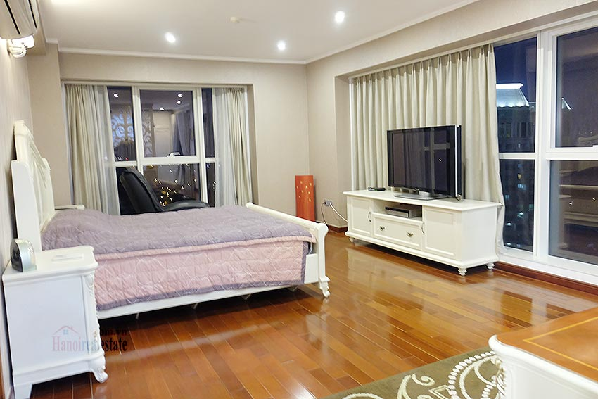 L1 Ciputra: Beautiful 04BRs apartment on high floor, view to Nhat Tan Bridge 22