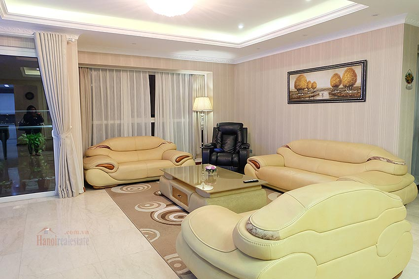 L1 Ciputra: Beautiful 04BRs apartment on high floor, view to Nhat Tan Bridge 4