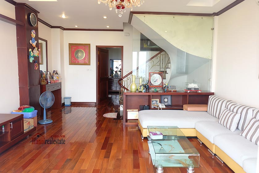 Lake front 04BRs house for rent at Nguyen Dinh Thi St, Ba Dinh District 5