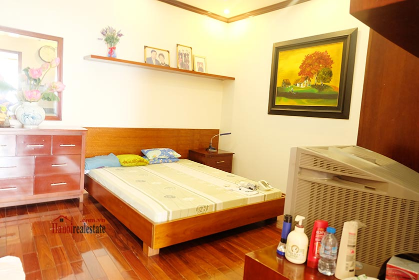 Lake front 04BRs house for rent at Nguyen Dinh Thi St, Ba Dinh District 8