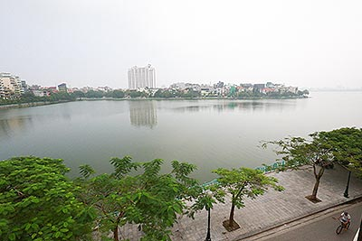 Lake front brand new 04BRs apartment on Quang An St