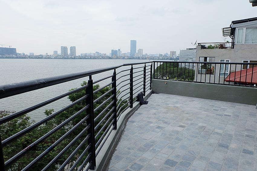 Lake view 03BRs apartment on Quang Khanh, large balcony 23