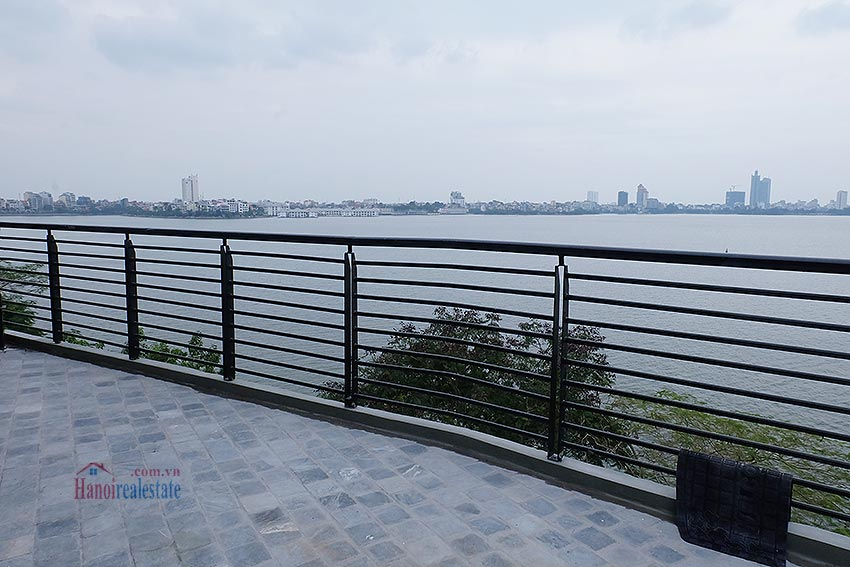 Lake view 03BRs apartment on Quang Khanh, large balcony 24