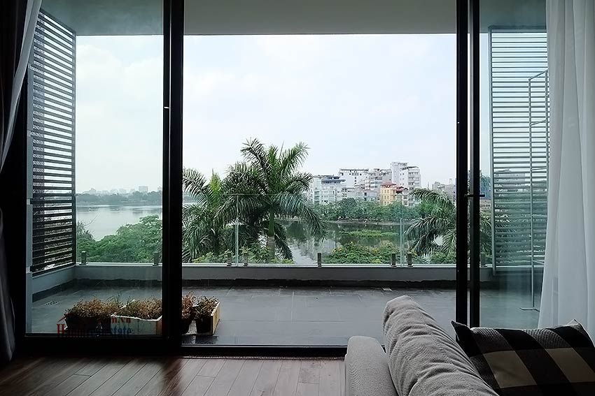 Lake view 2 bedroom apartment in Truc Bach, modern style & balcony 5