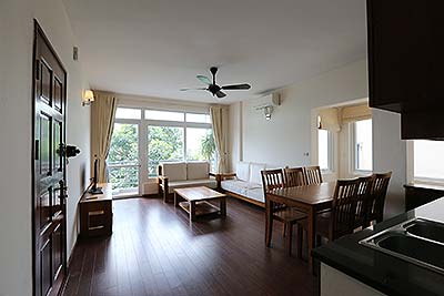 Lake view apartment rental on Tư Hoa, Tay Ho, 2 Bedroom, nice Balcony.