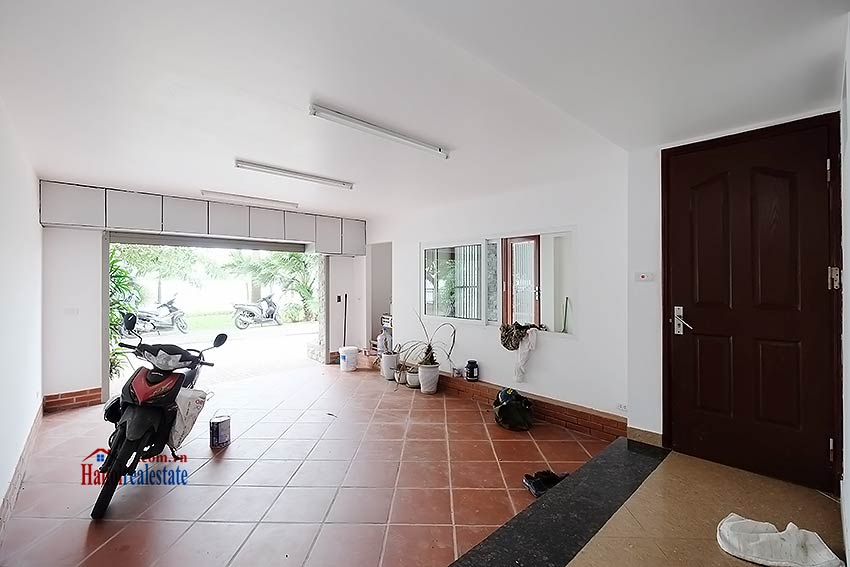 Lake view house to rent in Quang Khanh with car access and beautiful terace 1