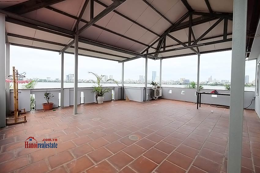 Lake view house to rent in Quang Khanh with car access and beautiful terace 18