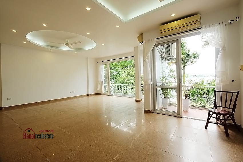 Lake view house to rent in Quang Khanh with car access and beautiful terace 3