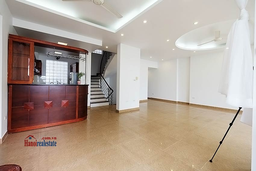 Lake view house to rent in Quang Khanh with car access and beautiful terace 5