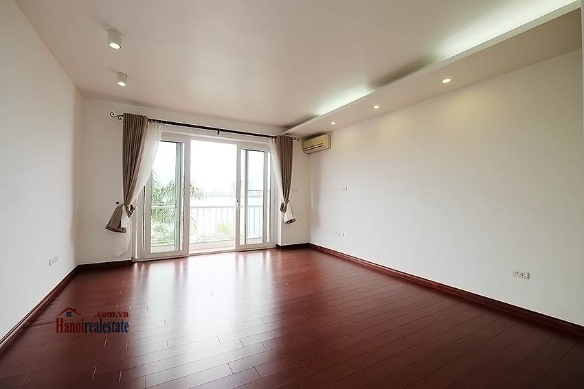 Lake view house to rent in Quang Khanh with car access and beautiful terace 9