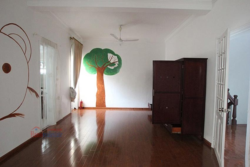 Charming Lake View house for rent in Nghi Tam, Tay Ho, Hanoi 27