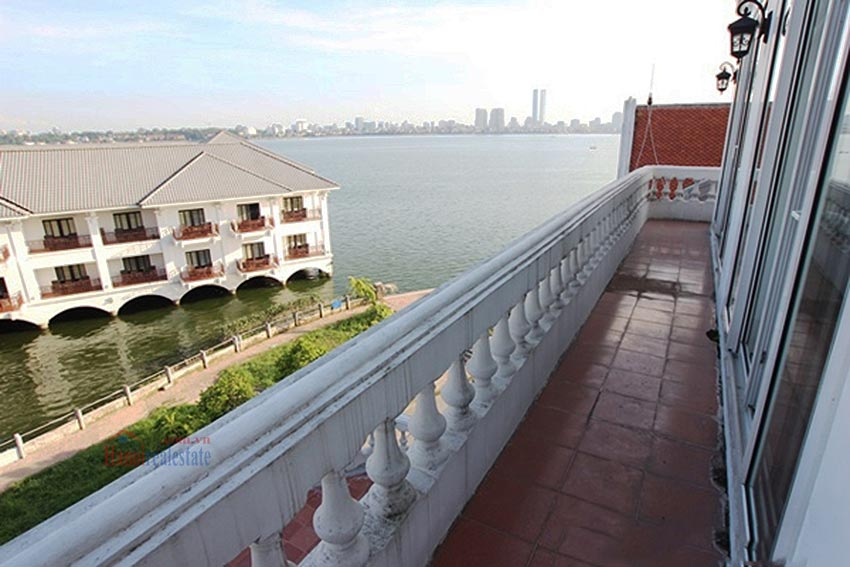 Charming Lake View house for rent in Nghi Tam, Tay Ho, Hanoi 38