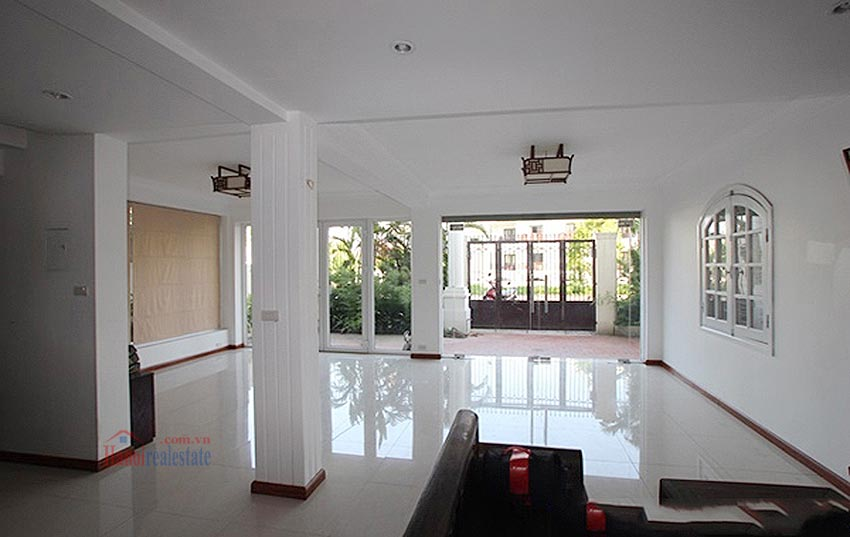 Charming Lake View house for rent in Nghi Tam, Tay Ho, Hanoi 7