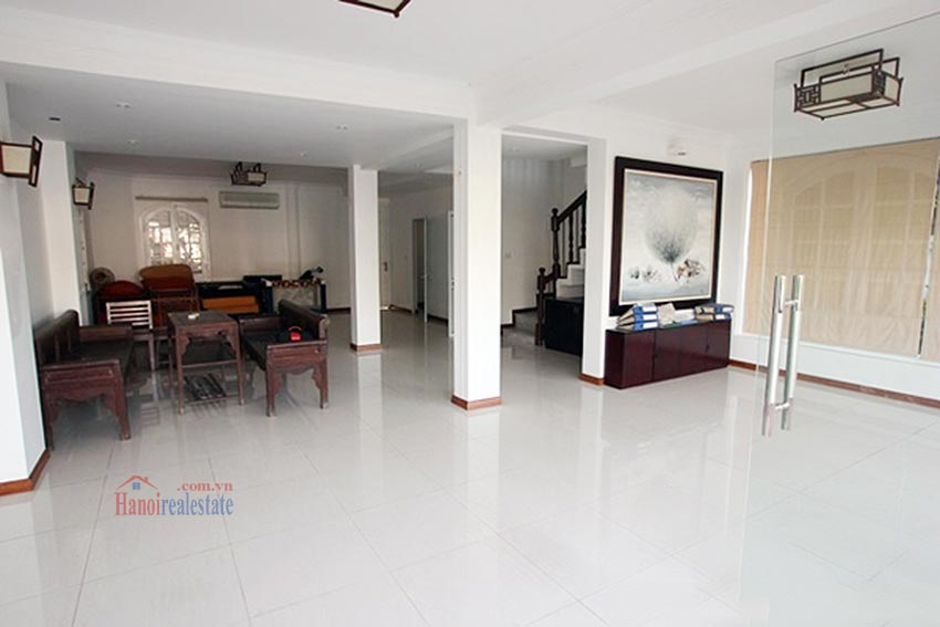 Charming Lake View house for rent in Nghi Tam, Tay Ho, Hanoi 8