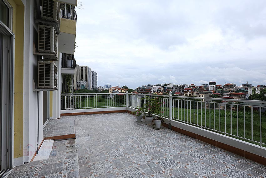 Lake view spacious 04 bedroom apartment in Xuan Dieu, Tay Ho 27