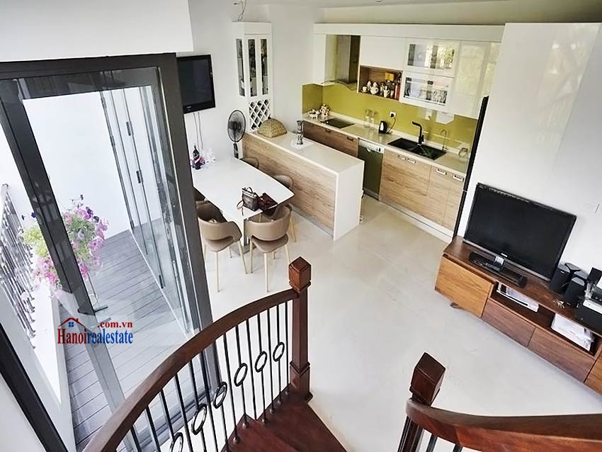 Lake view terrace – Duplex 2 bedroom penthouse to lease in Vong Thi, Tay Ho 12
